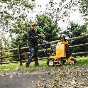 The Cub Cadet CB2900 in use