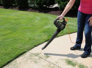 The LawnMaster BL705 in use